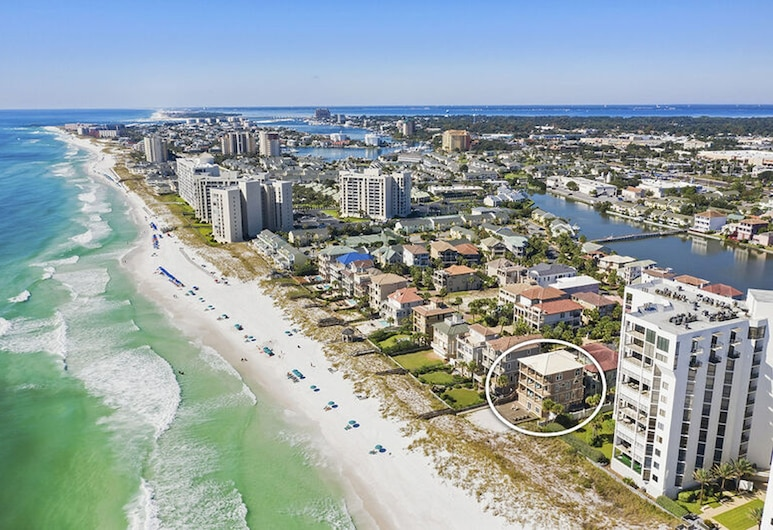 Martinis in the Sand by Five Star Properties, Destin, House, Multiple Beds, Beach