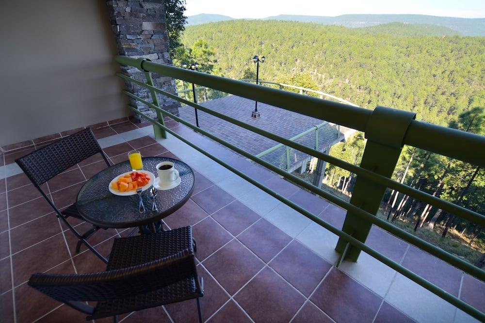 Deluxe Quadruple Room - Balcony View