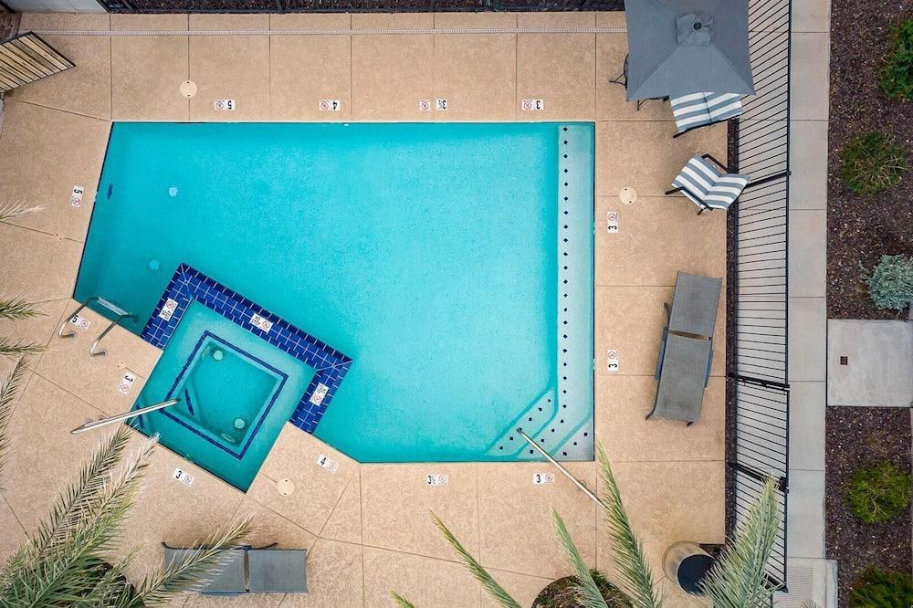 Rumah, Beberapa Tempat Tidur (Newport by AvantStay - Condo in Prime) - Kolam Renang