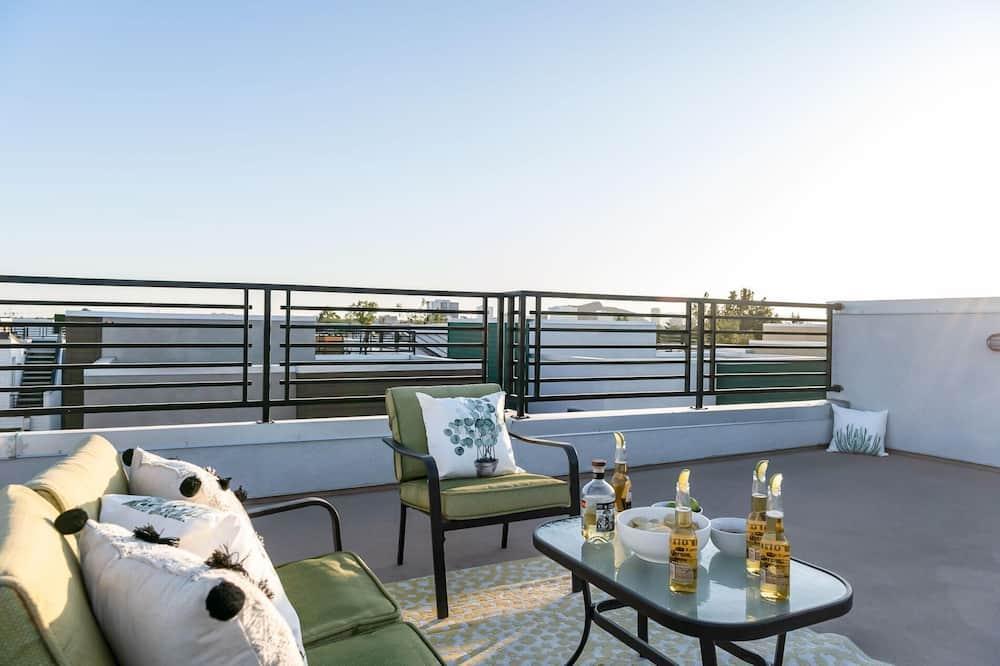 Rumah, Beberapa Tempat Tidur (Newport by AvantStay - Condo in Prime) - Balkon