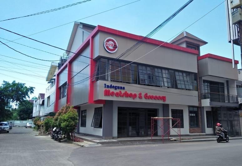 TR Homestay, Makassar, 酒店正门