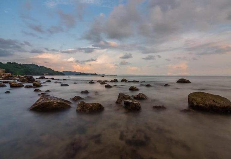 Kahai Beach Hotel, Batu Balak, Pantai