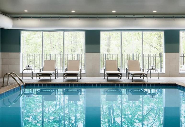 Holiday Inn Express & Suites Edmonton SW - Windermere, an IHG Hotel, เอ็ดมันตัน, สระว่ายน้ำ