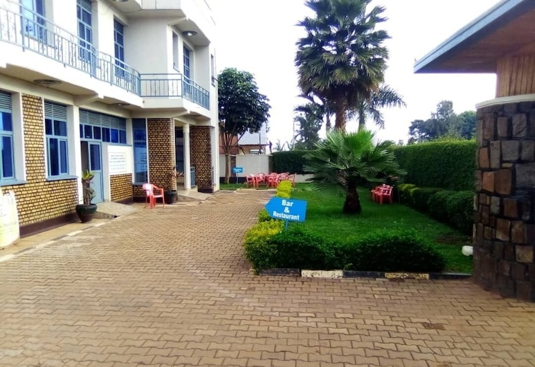 Midland Hotel, Mukarange, Facciata hotel