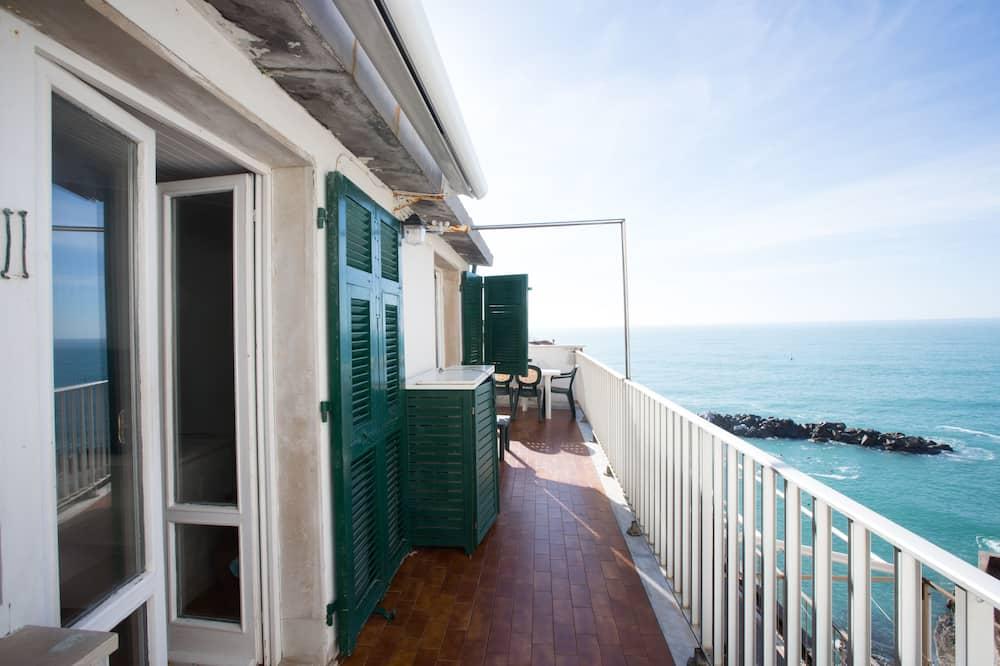 Panoramic Apart Daire, 2 Yatak Odası, Deniz Manzaralı, Denize Bakan (Atlantis) - Teras/Veranda