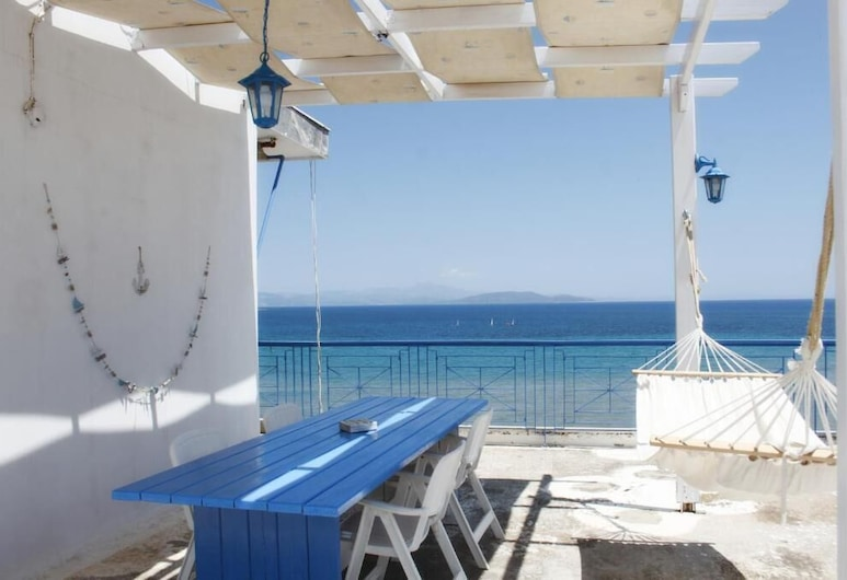 Penthouse & Apartments By The Sea Near Airport, Spata-Artemida