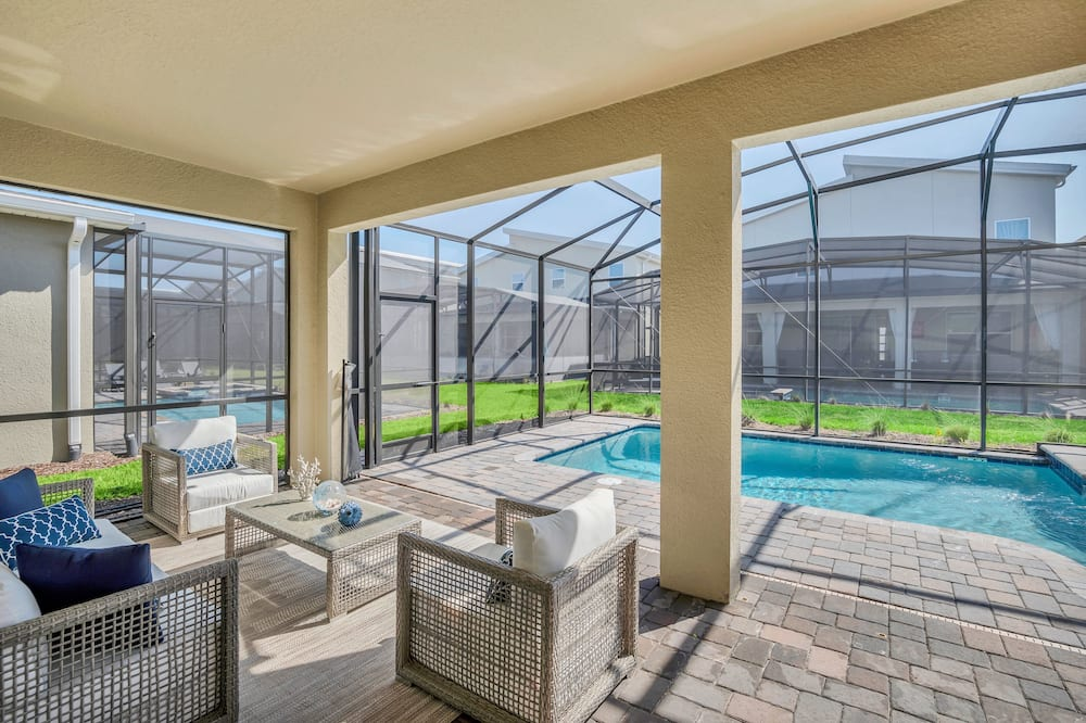 House (4564TARGET ) - Pool