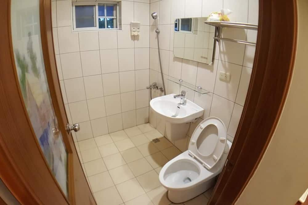 Kambarys šeimai (6 pax) - Vonios kambarys
