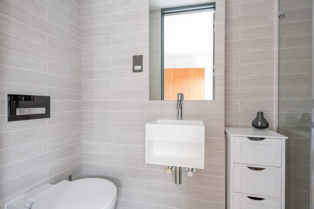 Apartemen - Kamar mandi