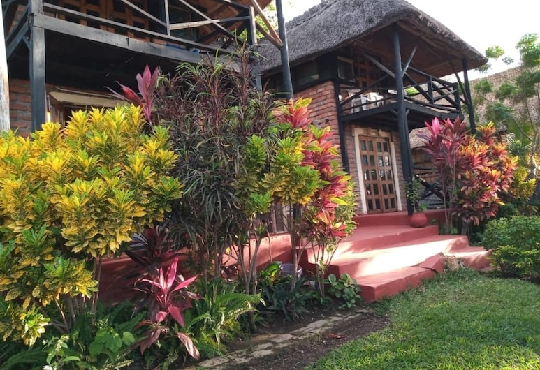 Impeccable 3-bed Cottage in Cape Maclear, Monkey Bay