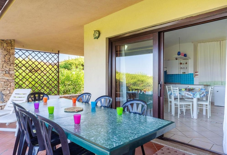 House With 4 Bedrooms in San Teodoro, With Wonderful sea View and Furnished Garden - 250 m From the Beach, San Teodoro, Garten
