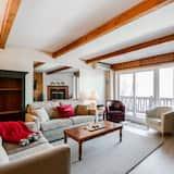 Condo, 2 Bedrooms, 2 Bathrooms - Living Area