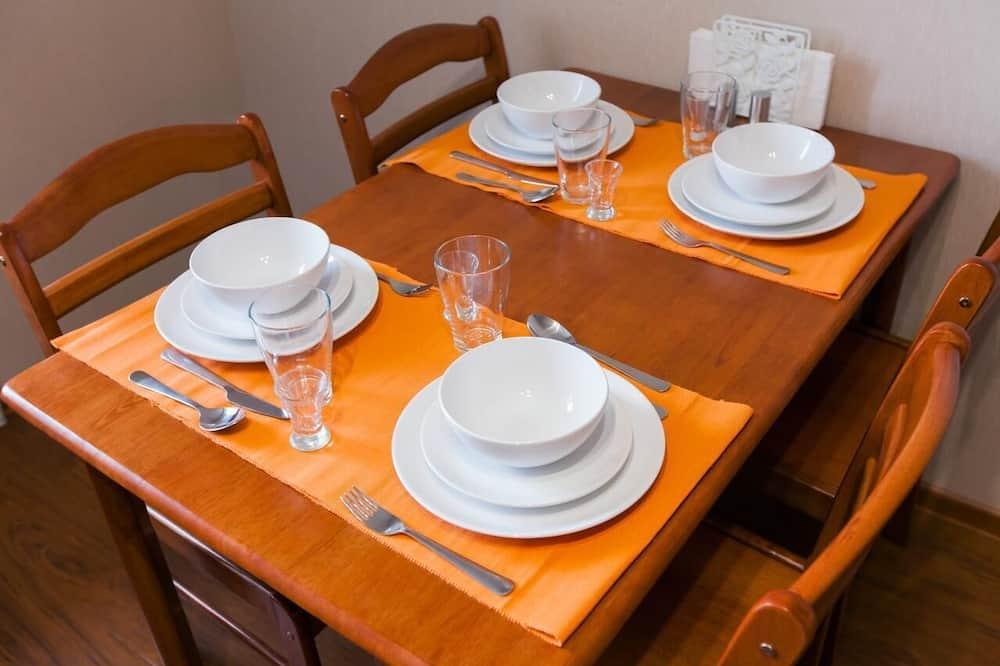Family külaliskorter - Einetamisala toas