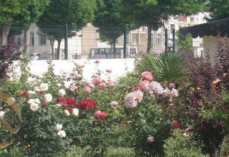 Erdogan Ege Pansiyon, Manisa, Garden