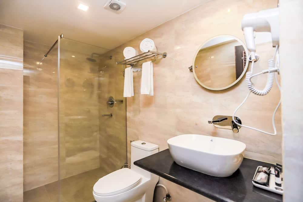 Habitación triple Deluxe - Baño