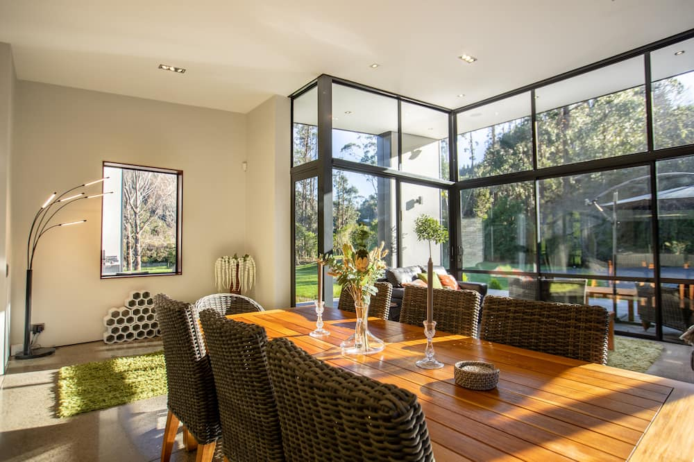 Luxury House, 3 Bedrooms - In-Room Dining