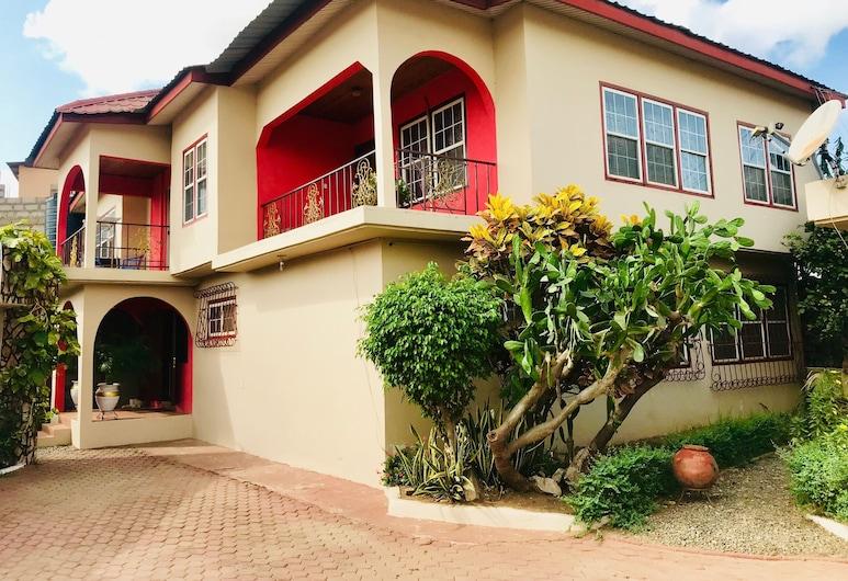 Atuu Hostel, Accra