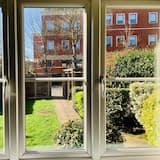 Sarah Luxury Apartments Close to Windsor, Eton and Heathrow