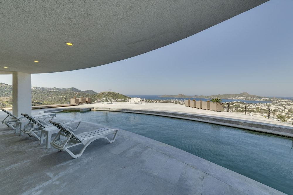 Prezidenta villa, piecas guļamistabas, skats uz jūru - Terase/iekšējais pagalms