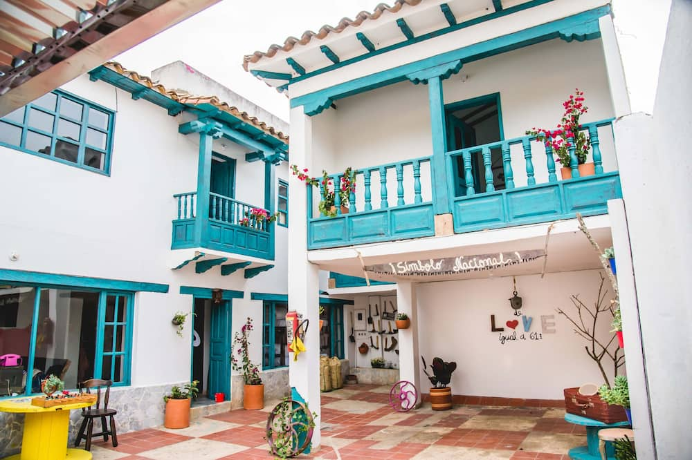 Hostal Tourist Home