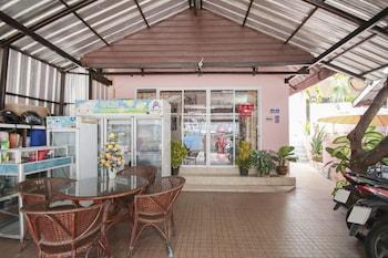 Picture of OYO 888 Apinya's Place Karon in Karon
