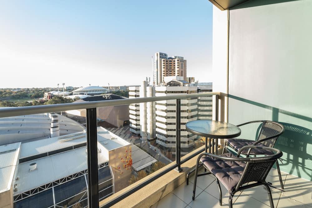 Apartamentai su vitrininiais langais - Balkonas