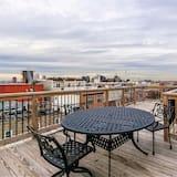 House (!NEW! LUXURY HOME NEAR HARBOR w/Rooft) - Balcony