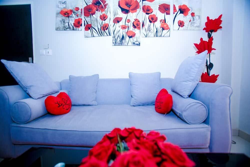 Romantic Room, Smoking, City View - Living Room