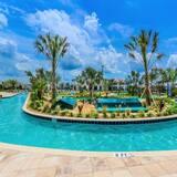 Fabulous! 6bed Storey Lake Villa Pool+spa 2145bmd