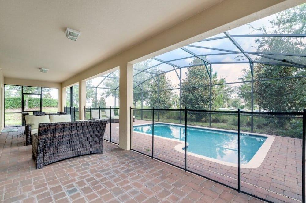 Villa (ShowHome 5 bedroom Champions Gate Vil) - Pool