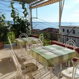 Apartment (Two-Bedroom Apartment with Sea View) - Terrace/Patio