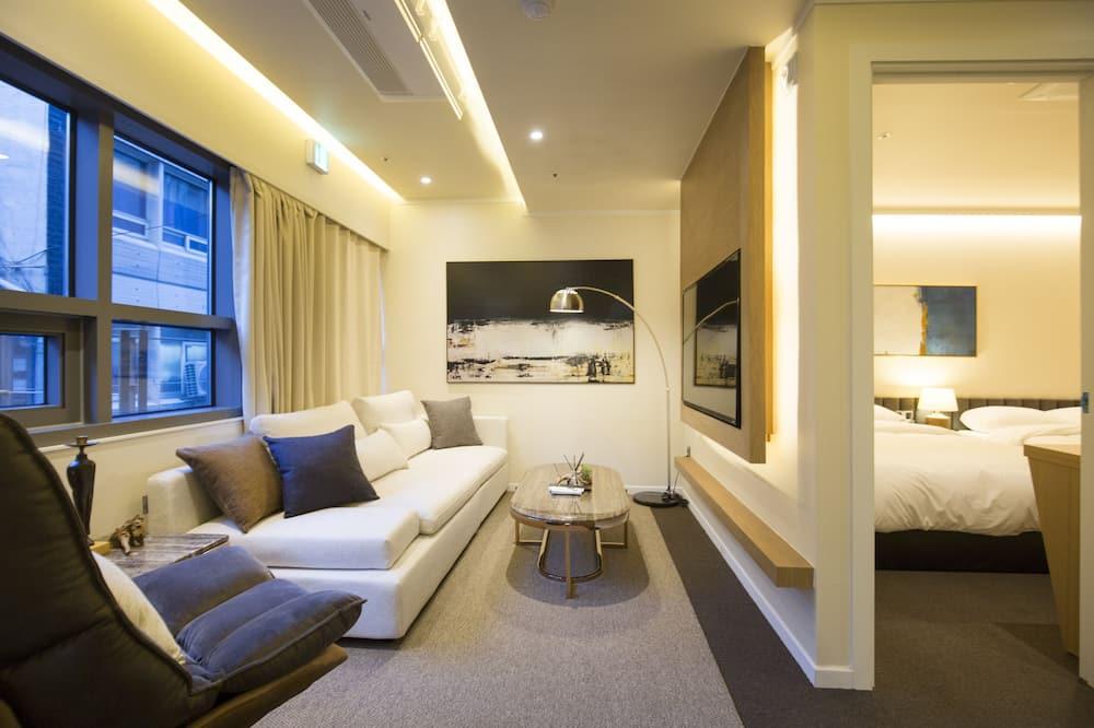 UH Suite Cornerstone