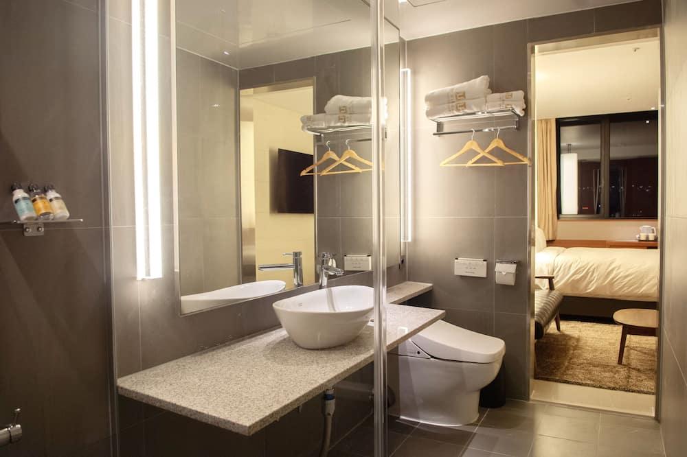 Top Corner Suite - Bilik mandi