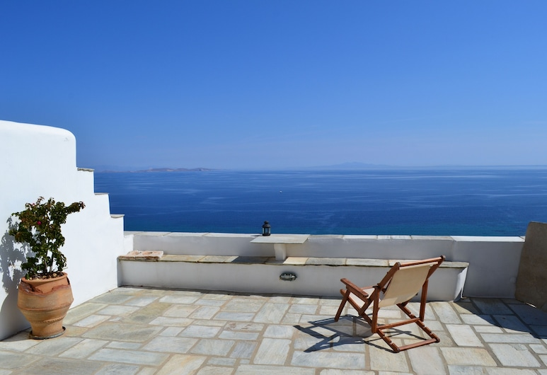 Villa Ioanna - Vacation Houses for Rent Close to the Beach, Tinos