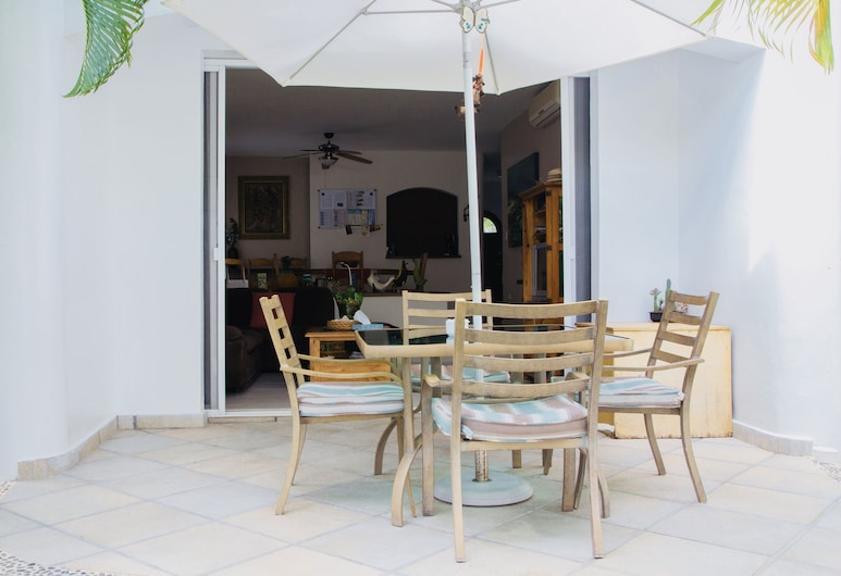 Superior Comfort Room With Swimming Pool Air Conditioning and Parking, Playa del Carmen