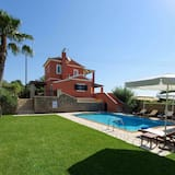 Deluxe Villa Rose With Private Pool