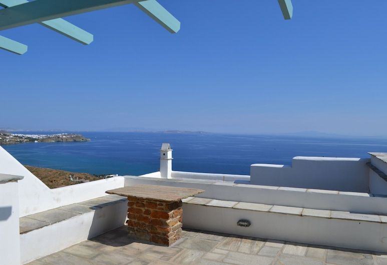 Villa Ioanna Blue- Vacation Houses for Rent 300 Metres by the sea, Tinos