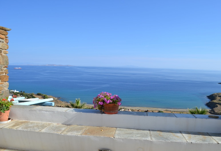 Villa Ioanna Greengrey- Vacation Houses for Rent Close to the Beach, Tinos, Altan
