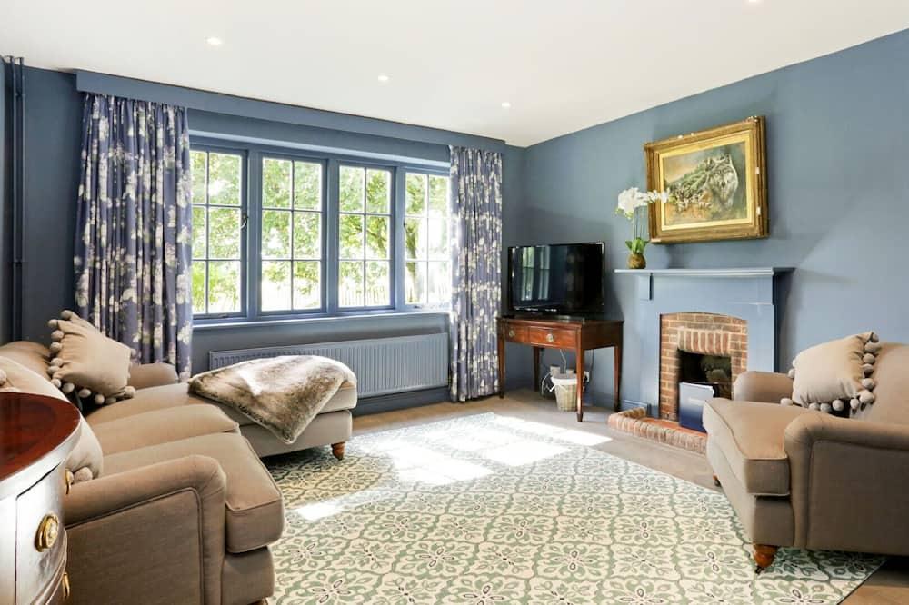 Traditional-Ferienhaus, 6Schlafzimmer - Wohnzimmer