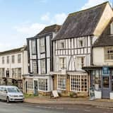Stylish Cotswold Apartment in Central Burford