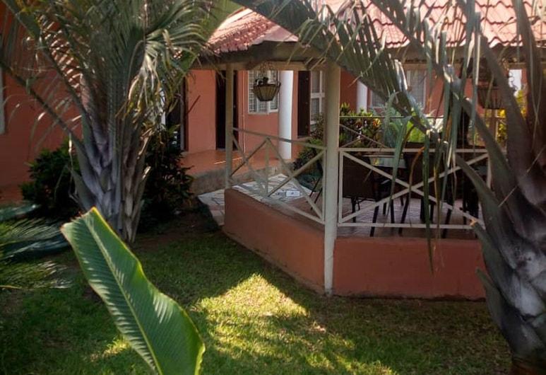 Jedidiah Guest House, Kitwe, Garden
