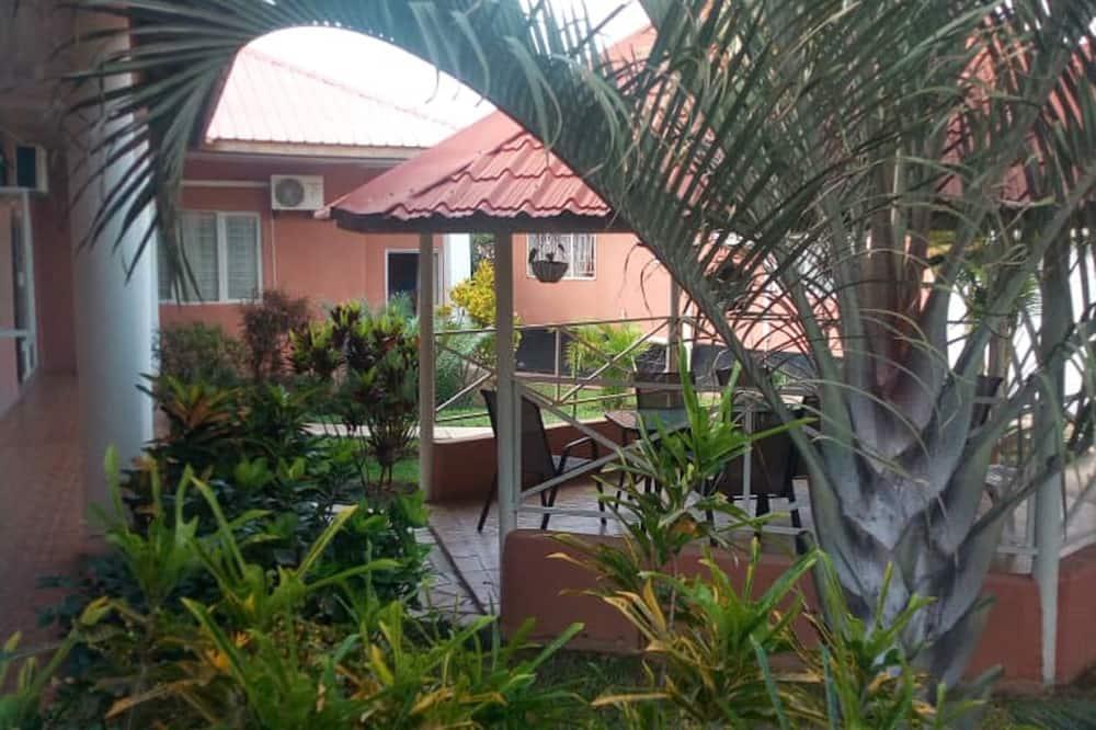 Deluxe-Doppel- oder -Zweibettzimmer - Blick auf den Innenhof