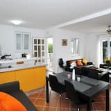 Hús (One Bedroom Apartment with Terrace) - Stofa