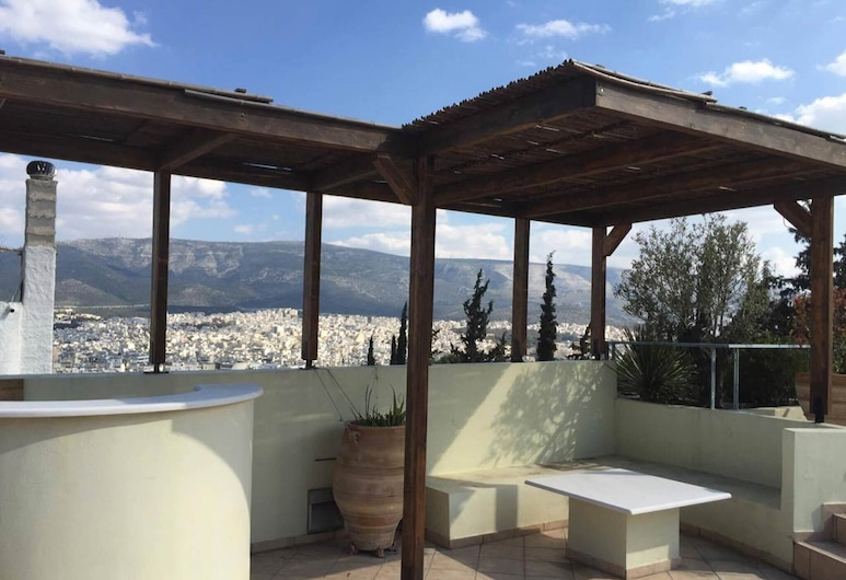 Wondeful Apartment at Lycabettus With Private Pool and Great Views of Athens, Athén, Erkély