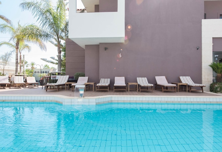 A Great Choice for 4 People for an Awesome Vacational Experience, Malia
