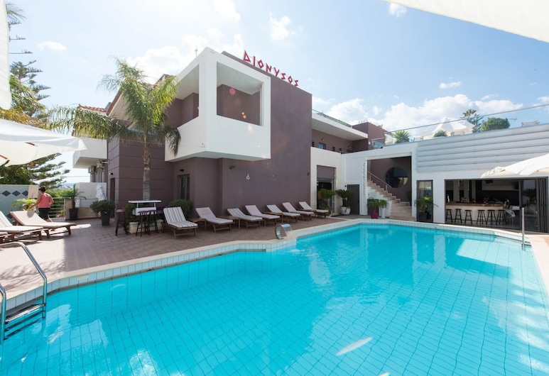 This Studio Room for up to 3 Adults is Perfect for a Grand Vacational Experience, Malia
