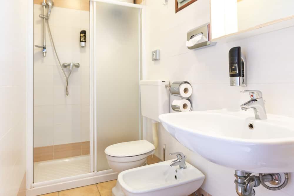 Dom, 2 spálne - Kúpeľňa