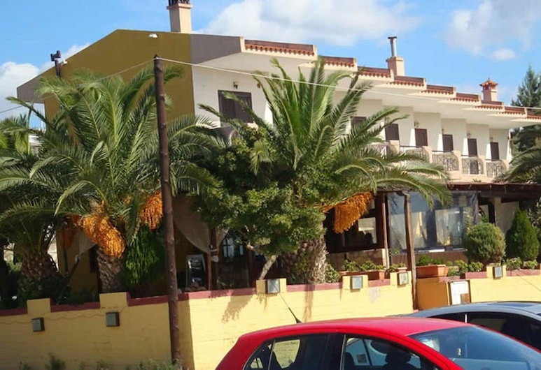 A Wonderful Small Apartment for 4 Very Close to a Great Beach, Polijiros