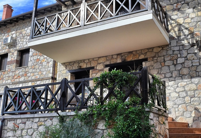 Have a Fabulous Vacation in Chalkidi With Your Family and Stay Here!, Polygyros