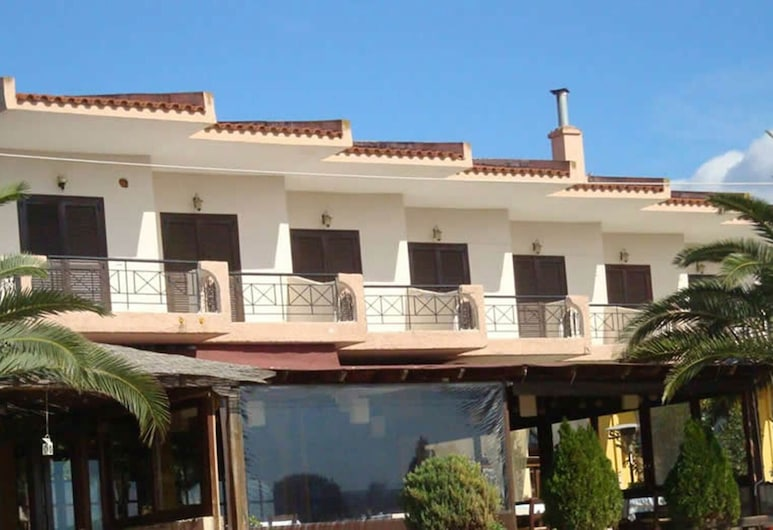 A Wonderful Small Apartment for 4 Very Close to a Great Beach, Polygyros